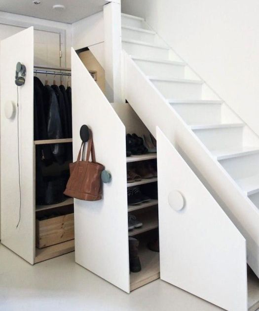 cffc1423001dc1dd4673c6f9a09342c4--closet-under-stairs-space-under-stairs