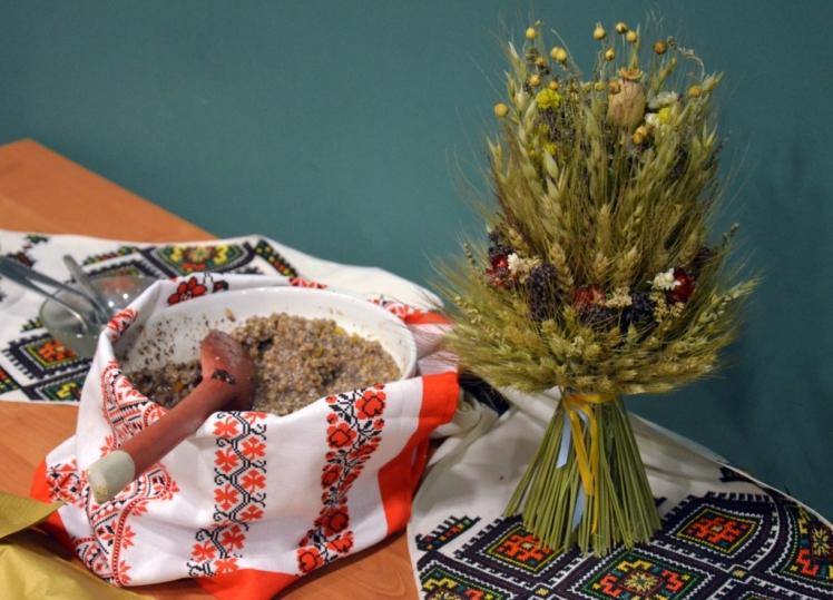 Ukrainian_Orthodox_Christmas_in_Poland_-_Kutia_-_Didukh