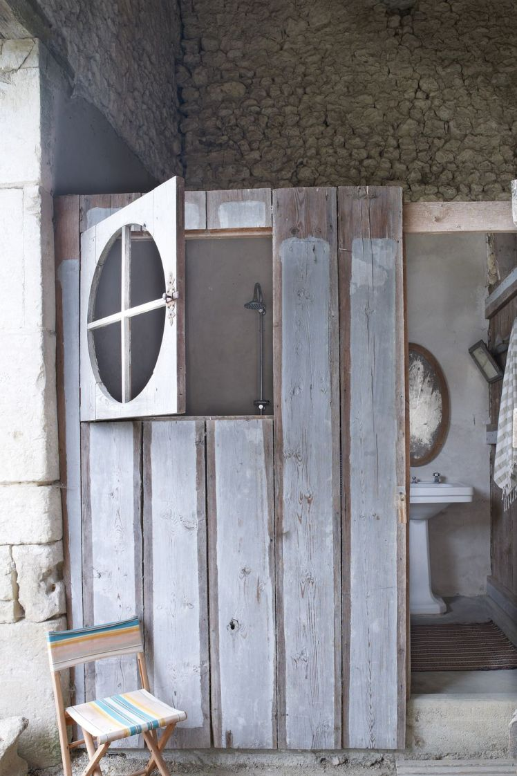 1461194753-outdoorshowers-image3